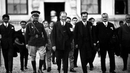 BBC, 47 Yıllık 'Atatürk: Türklerin Babası' Belgeselini Tekrar Yayınladı!